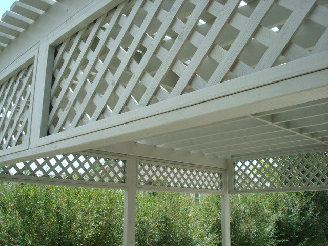 PERGOLA W/ LATTICE SKIRTING